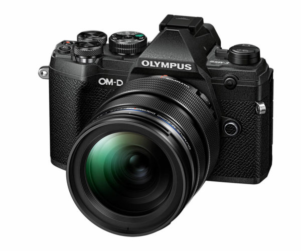 Olympus OM-D E-M5 Mark III 12-40mm PRO kit -musta