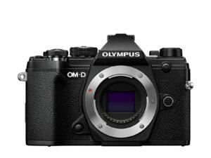 Olympus OM-D E-M5 Mark III runko mustana